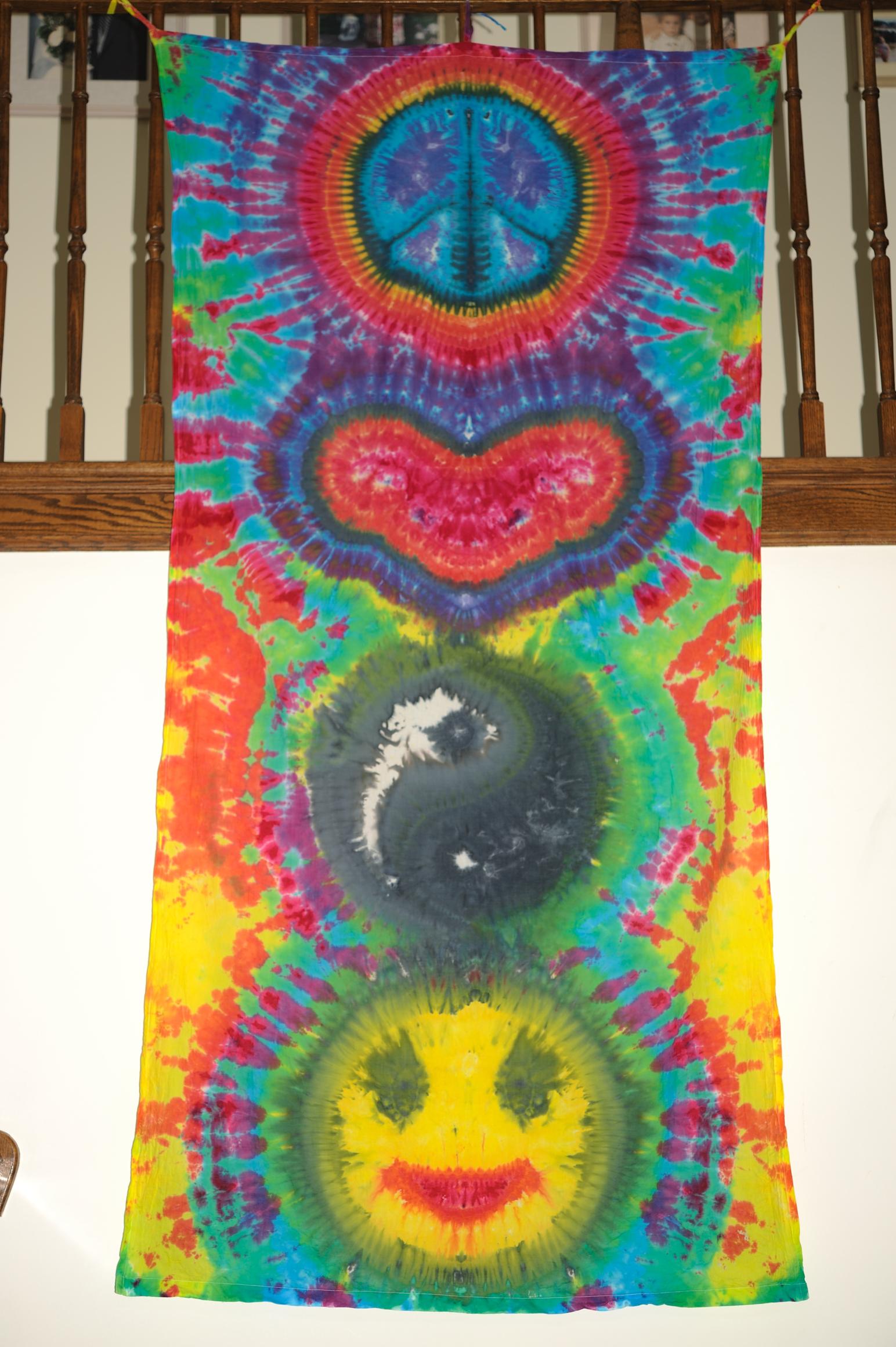 plur tie dye banner be